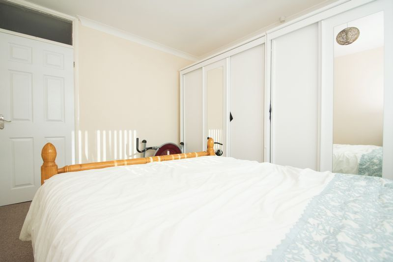 2 bed bungalow for sale in Lodgefield Road 10