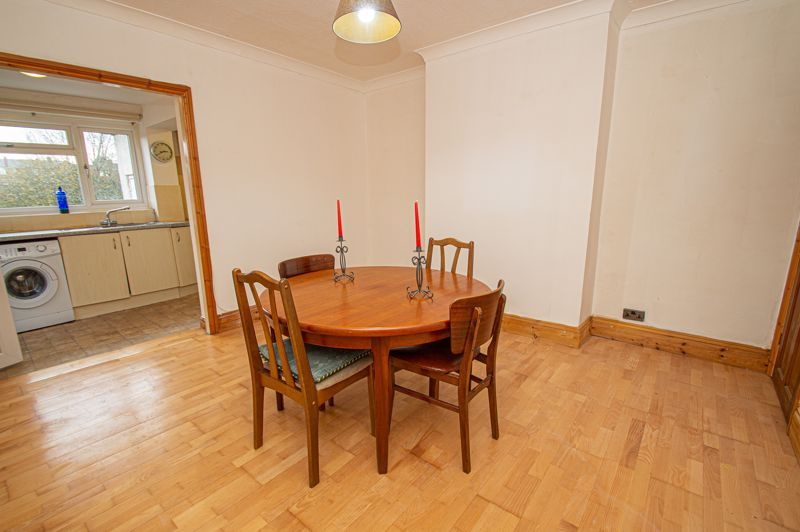 2 bed house for sale in Lyndhurst Drive 3