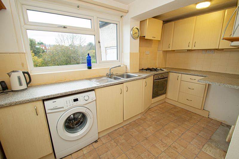 2 bed house for sale in Lyndhurst Drive 4
