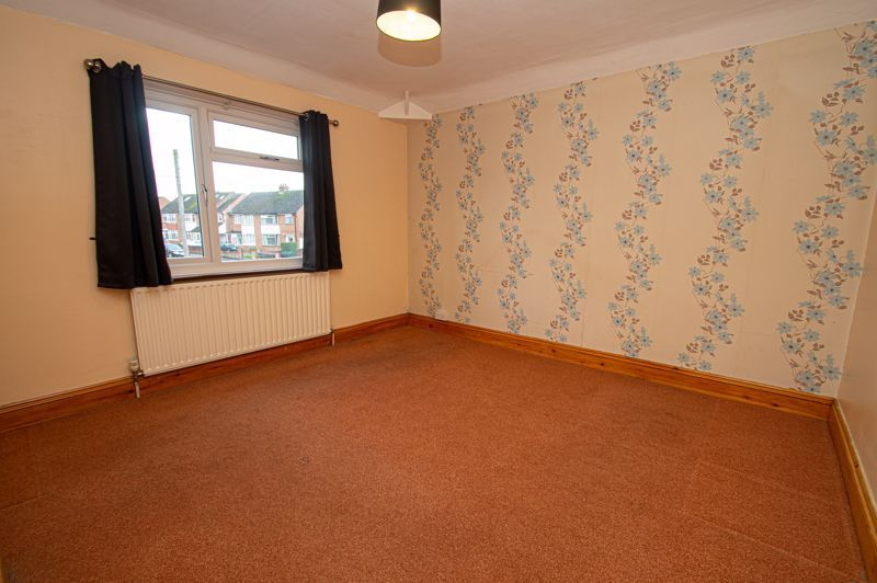 2 bed house for sale in Lyndhurst Drive 5