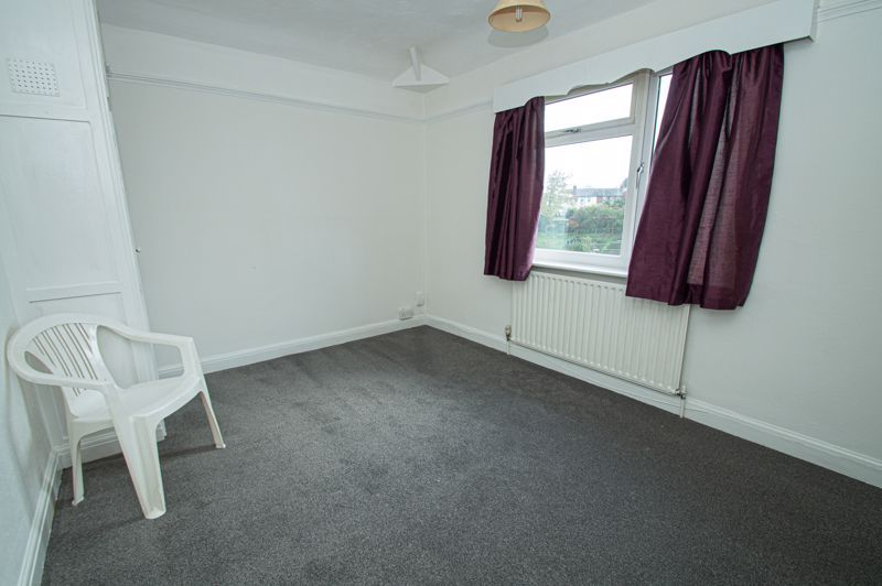 2 bed house for sale in Lyndhurst Drive 6