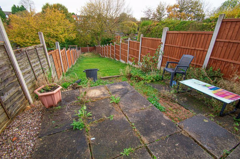 2 bed house for sale in Lyndhurst Drive 8