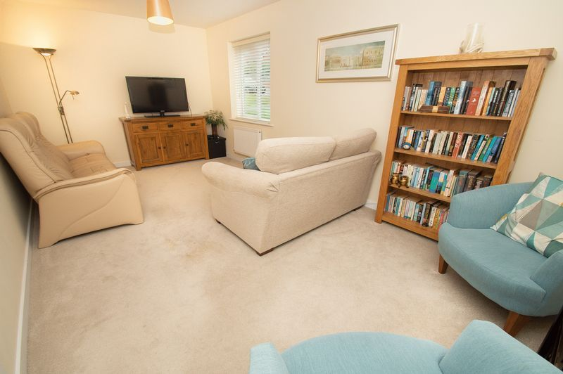 3 bed house for sale in Almondsbury Close 3