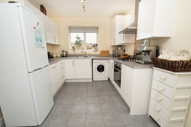 3 bed house for sale in Almondsbury Close  - Property Image 7