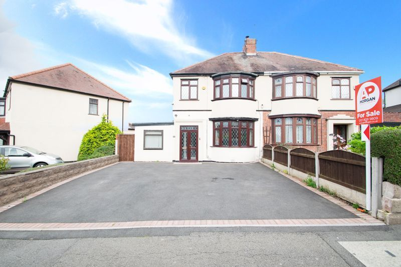 3 bed house for sale in Timberdine Close 1