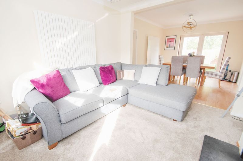 3 bed house for sale in Timberdine Close 3