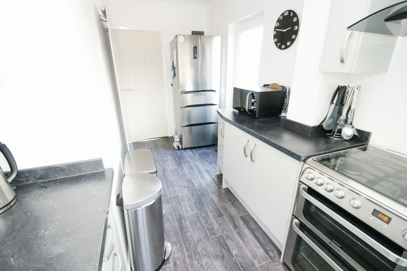 3 bed house for sale in Timberdine Close 6
