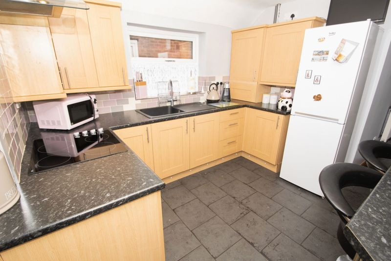 2 bed house for sale in Dudley Road 6