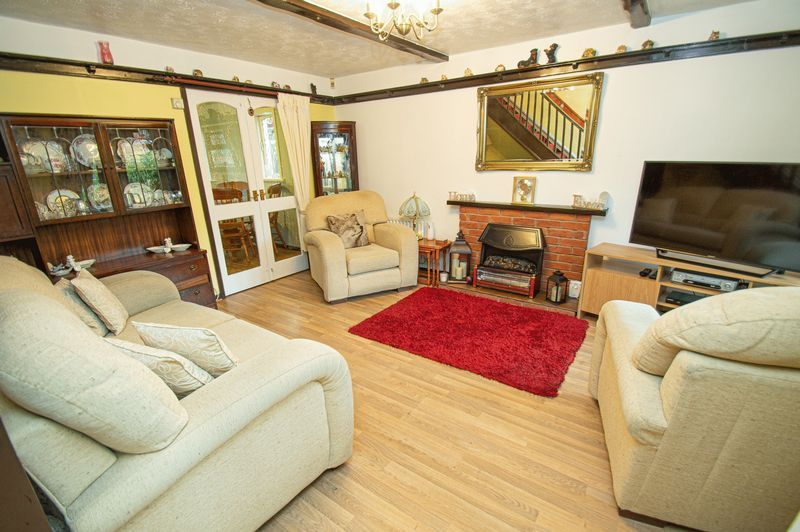 3 bed house for sale in Linnet Close  - Property Image 2
