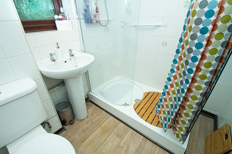 3 bed house for sale in Linnet Close  - Property Image 13