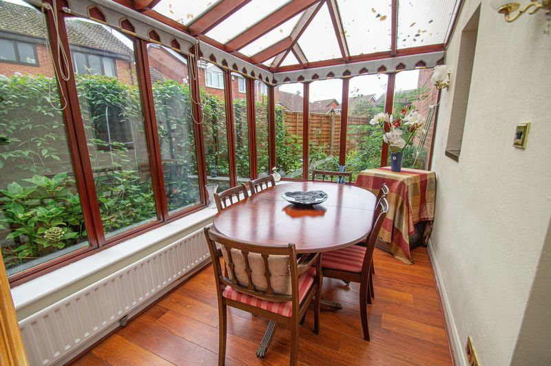 3 bed house for sale in Linnet Close 7
