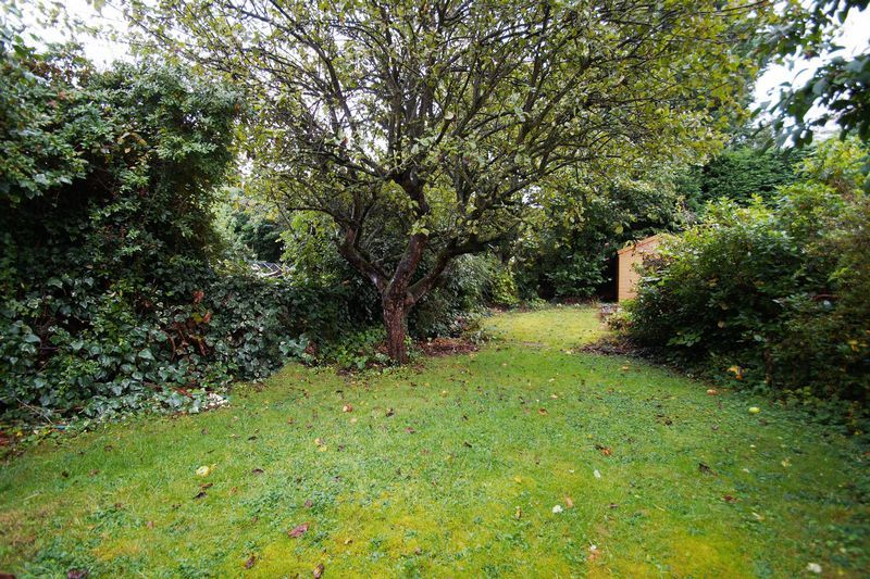 3 bed house for sale in Oakenshaw Road 2