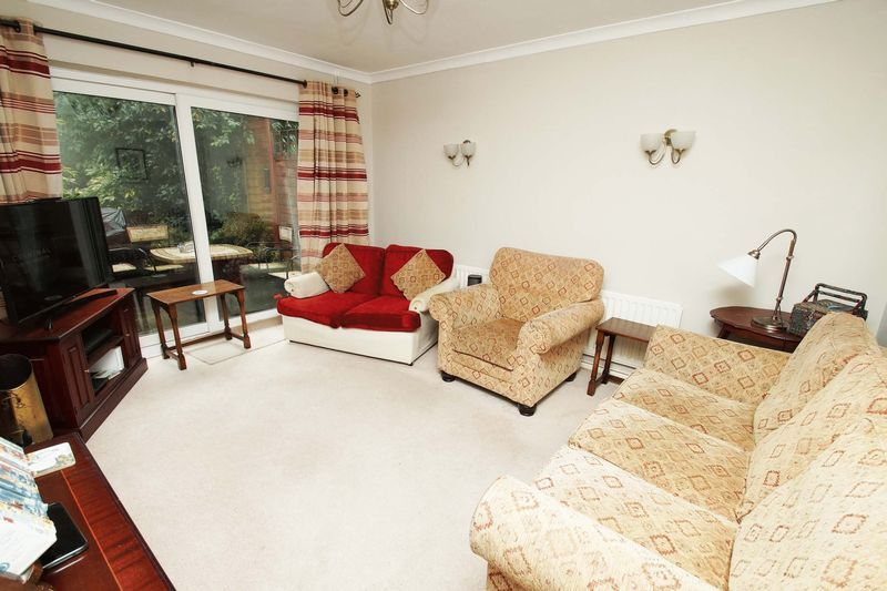 3 bed house for sale in Oakenshaw Road  - Property Image 3