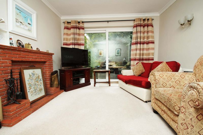 3 bed house for sale in Oakenshaw Road 4