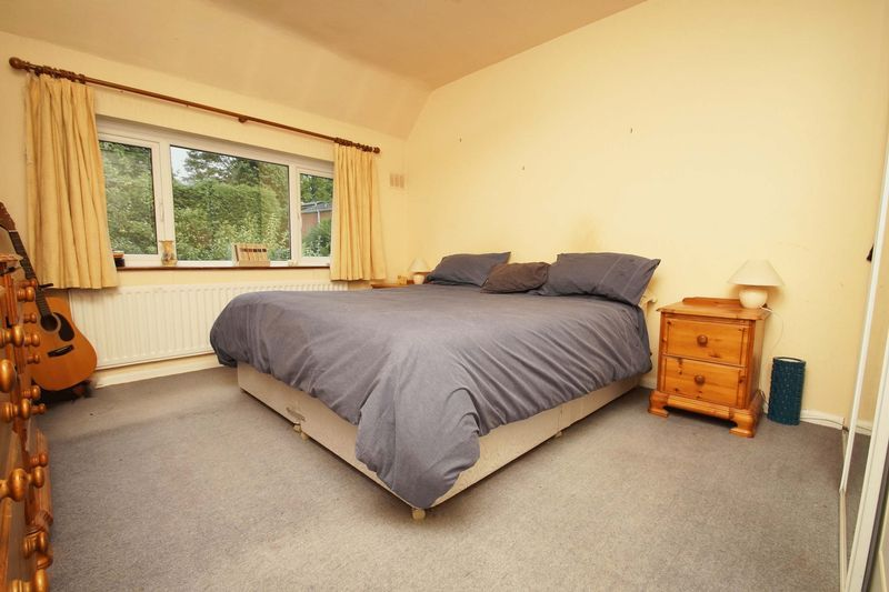 3 bed house for sale in Oakenshaw Road 8