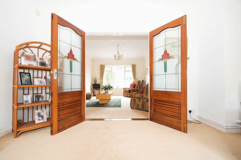 5 bed house for sale in Chantry Road 8