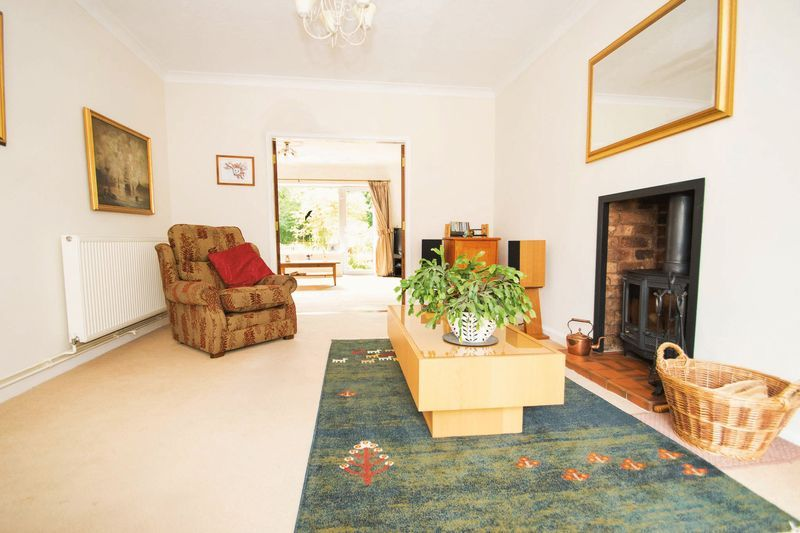 5 bed house for sale in Chantry Road 10