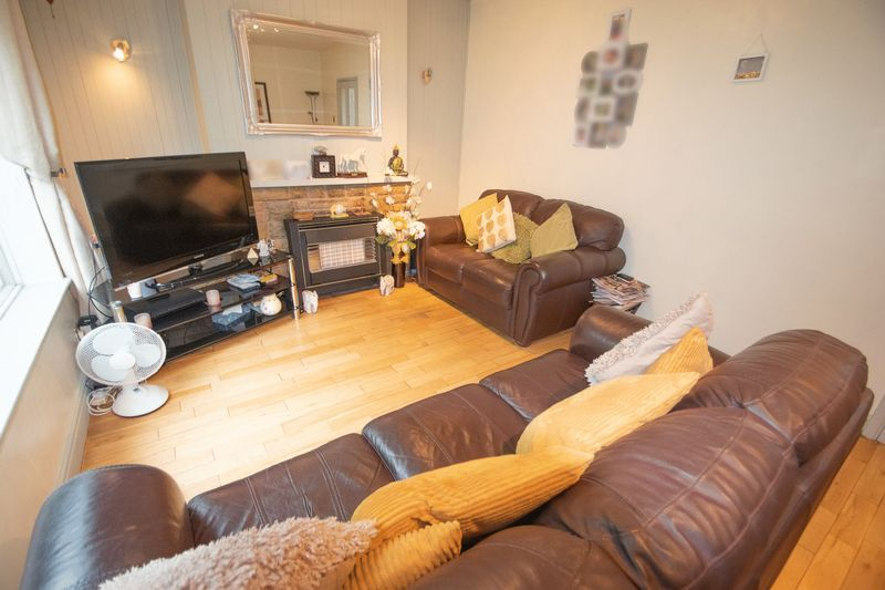 3 bed house for sale in Spring Street 3