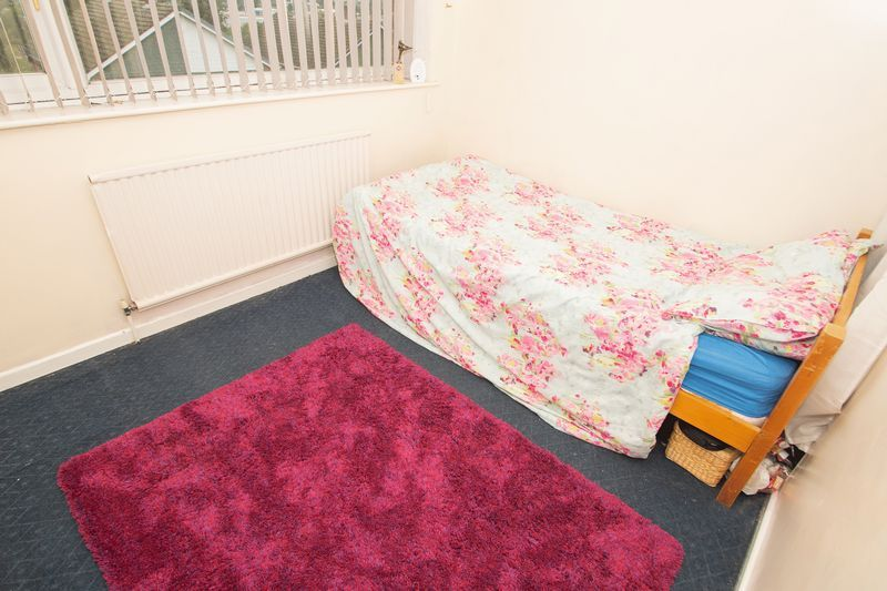 3 bed house for sale in Spring Street 8