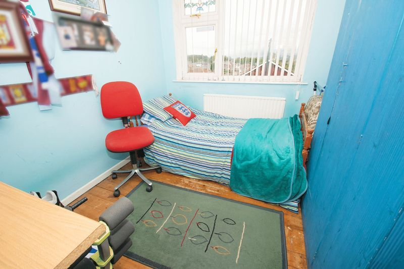 3 bed house for sale in Spring Street 9