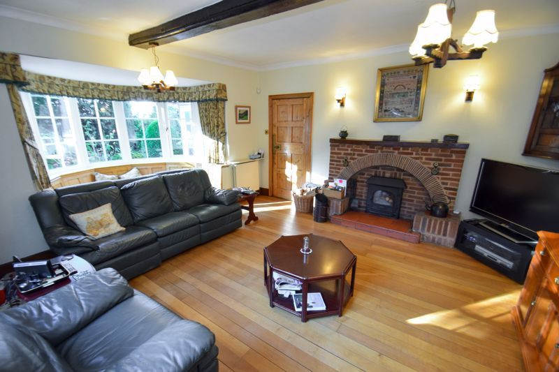 3 bed house for sale in Woodrow Lane 4