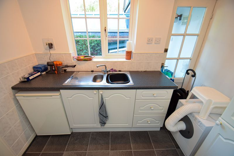 3 bed house for sale in Woodrow Lane  - Property Image 10
