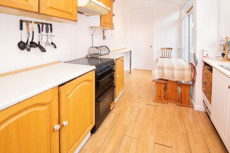 3 bed house for sale in Vicarage Road 3