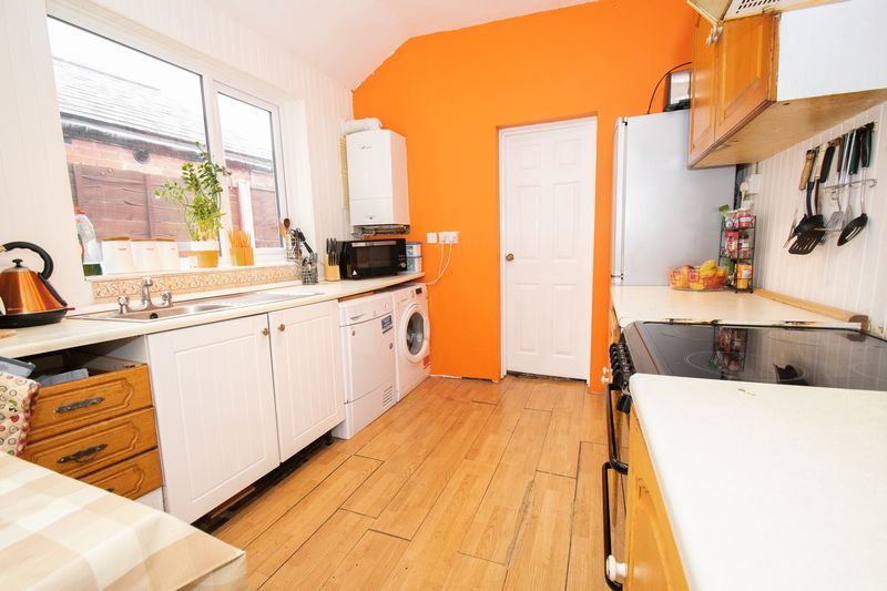 3 bed house for sale in Vicarage Road  - Property Image 8