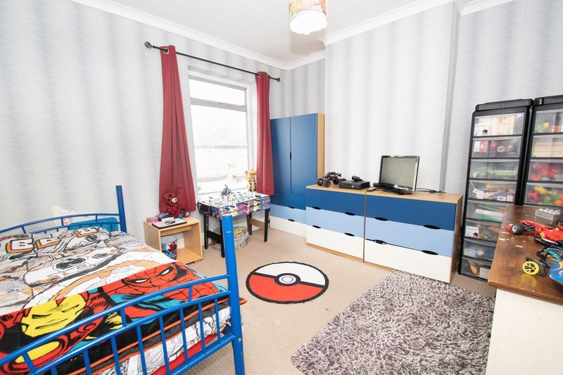 3 bed house for sale in Vicarage Road 9