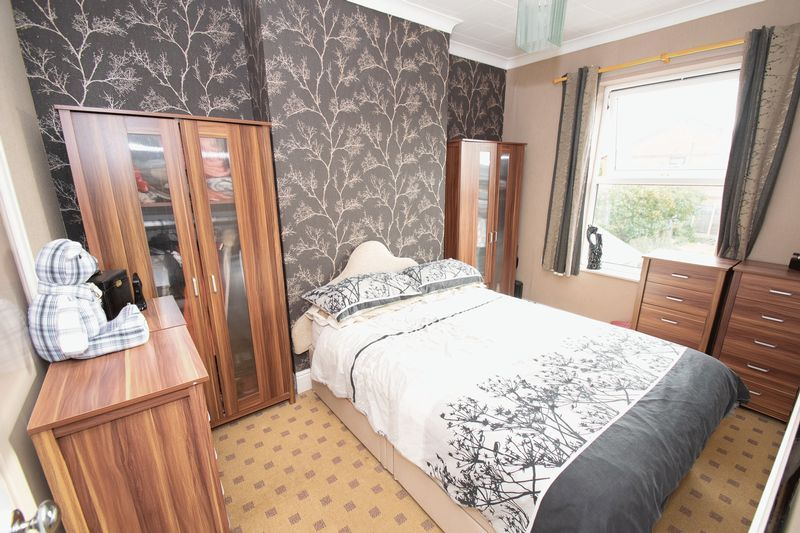 3 bed house for sale in Vicarage Road  - Property Image 10