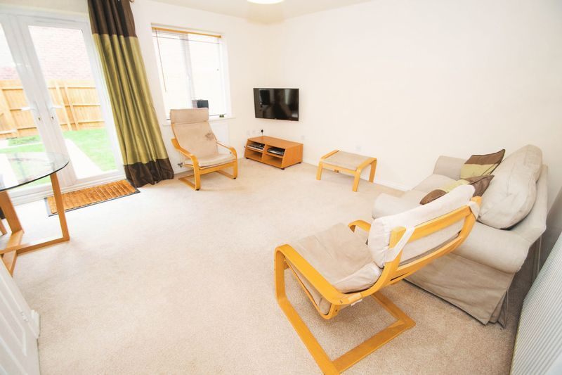 3 bed house for sale in Brett Young Close 5