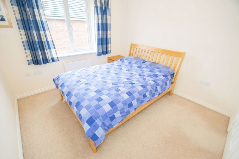 3 bed house for sale in Brett Young Close 8
