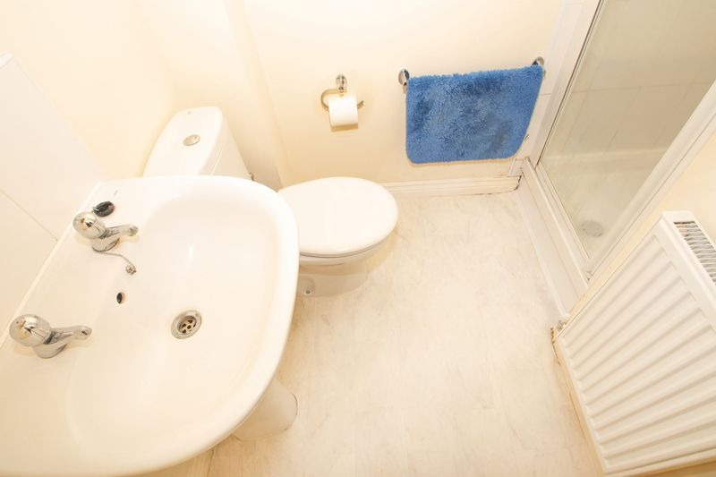 3 bed house for sale in Brett Young Close 9