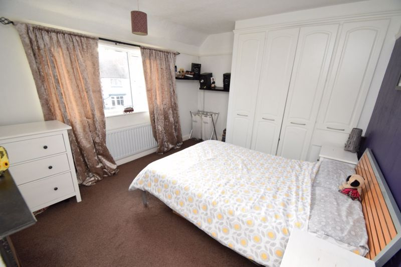 2 bed house for sale in The Meadway 7