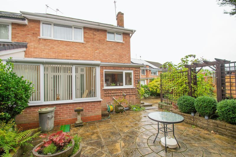 3 bed house for sale in Vicarage Crescent  - Property Image 13