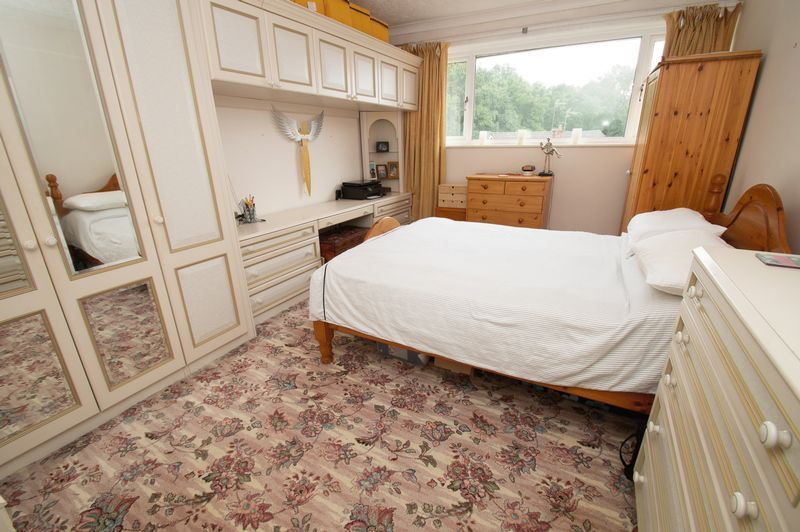 3 bed house for sale in Vicarage Crescent 7