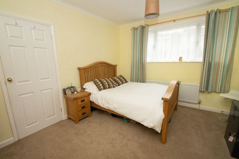 3 bed house for sale in Vicarage Crescent 9