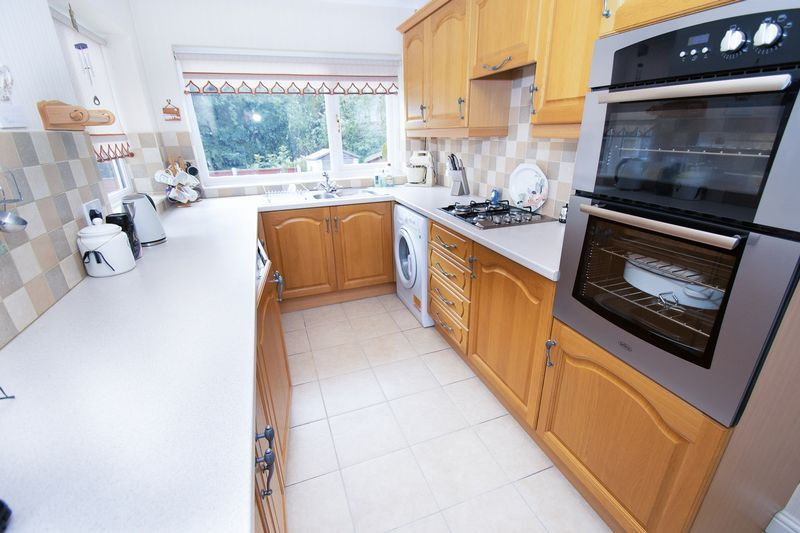 3 bed house for sale in Honeybourne Road 6