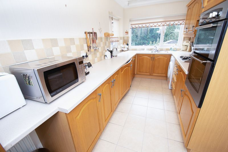 3 bed house for sale in Honeybourne Road  - Property Image 7