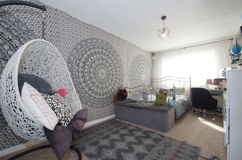 4 bed house for sale in Beckett Close 12