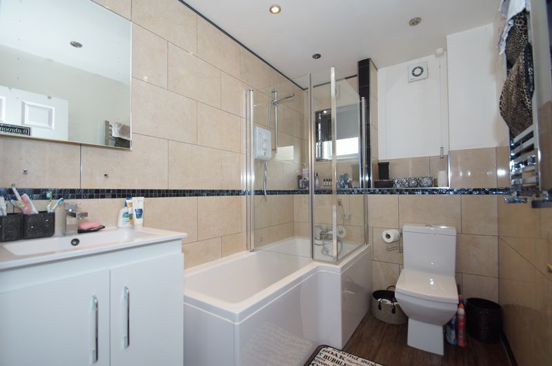 4 bed house for sale in Beckett Close  - Property Image 14