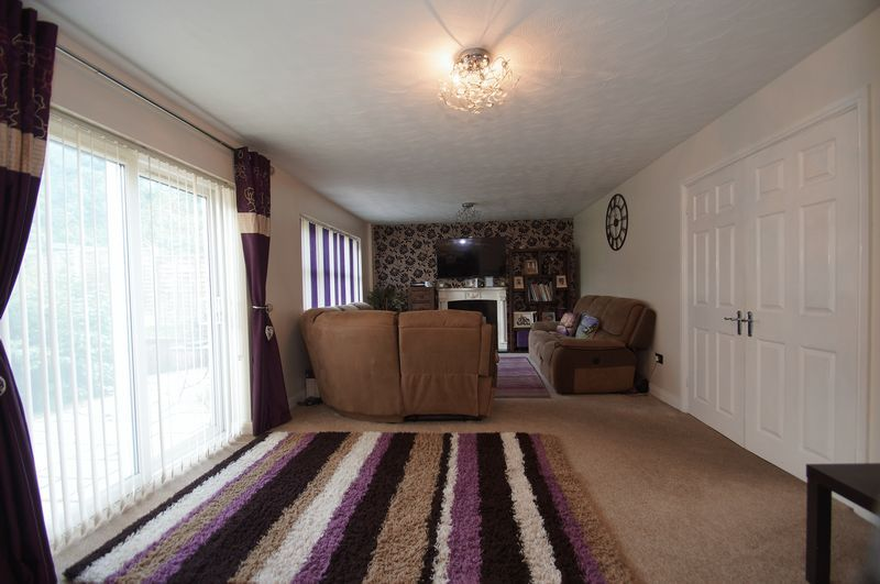 4 bed house for sale in Beckett Close  - Property Image 8