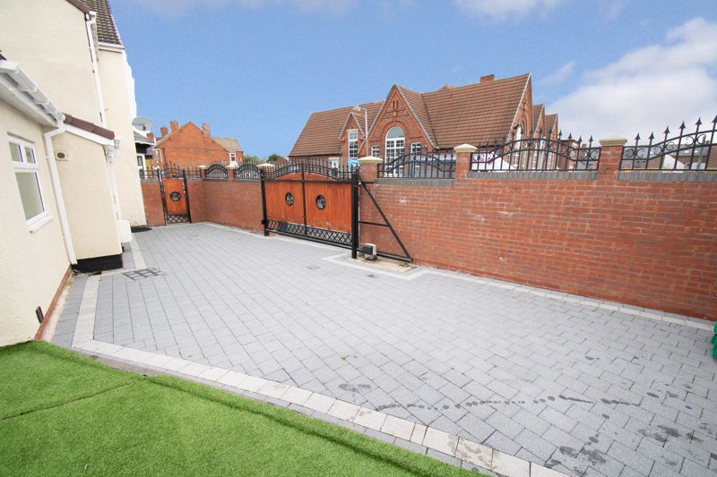 2 bed house for sale in Mace Street  - Property Image 15