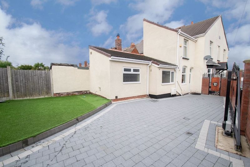 2 bed house for sale in Mace Street  - Property Image 16