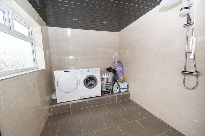 2 bed house for sale in Mace Street 9