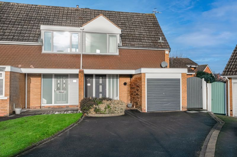 3 bed house for sale in Belbroughton Road  - Property Image 1