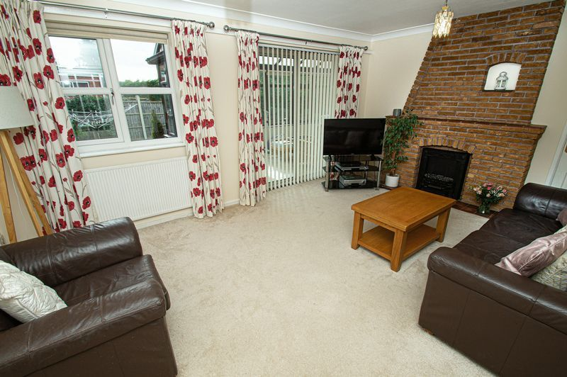 4 bed house for sale in Cottage Lane  - Property Image 2