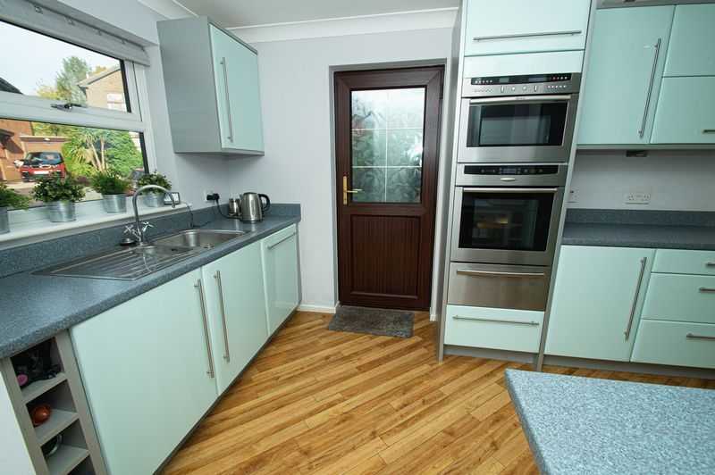 4 bed house for sale in Cottage Lane  - Property Image 6