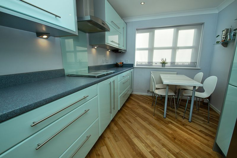 4 bed house for sale in Cottage Lane  - Property Image 8