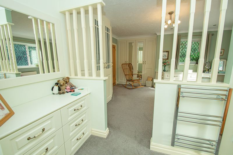 5 bed house for sale in Purshall Close 14
